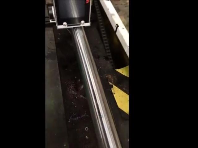 U2 MOBILE MARCADO SOBRE UNA TUBERÍA DE PVC NP4